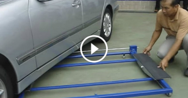 Tilting Mini Lift 2500 garage 4