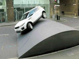 Amazing Range Rover EvoqueStuntOn The HugeSpeed Bump 1