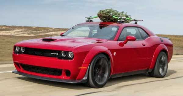 Christmas Tree Strapped On A Challenger Hellcat Widebody 11
