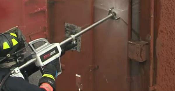 Firefighter Tool Future New Modern fire extinguish 1