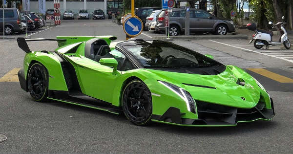 5 million lambo veneno roadster spotted in switzerland. Black Bedroom Furniture Sets. Home Design Ideas