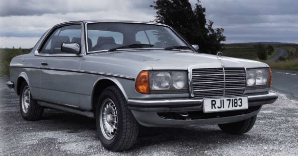 Mercedes Benz W123 - The Ultimate Classic 11