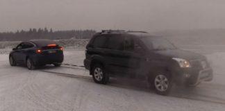 Tesla Model X vs Toyota Land Cruiser - Tug Of War 1