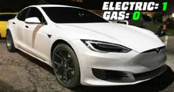 Tesla P100D Goes For A FuriousDrag Racing Against Gas Cars 2