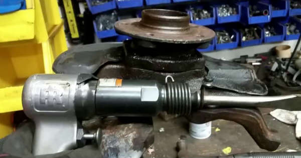 The Easiest Way To Remove A Wheel Bearing 1