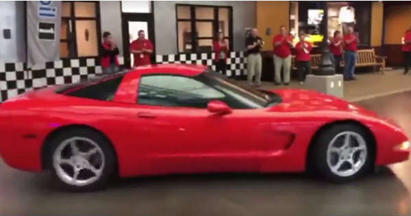 This 1999 Corvette With 773000 Miles Was Donated To The Corvette Museum 2