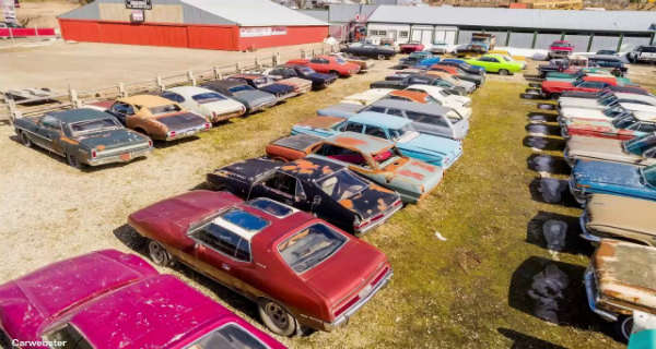 This Guy Is Selling Property in Canada With 340 Vintage Cars 2