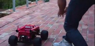 This RC Rocket Vehicle Launches High In The Sky 1