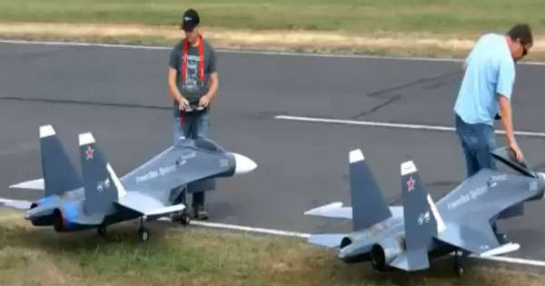 Two Huge RC Fighter Jets In Action 2