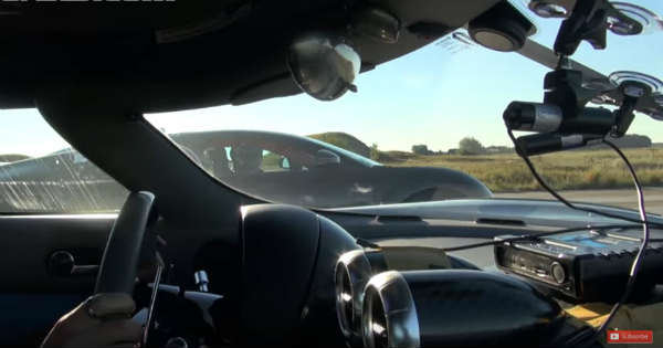 1140HP Koenigsegg Agera R vs Bugatti Veyron Vitesse 2