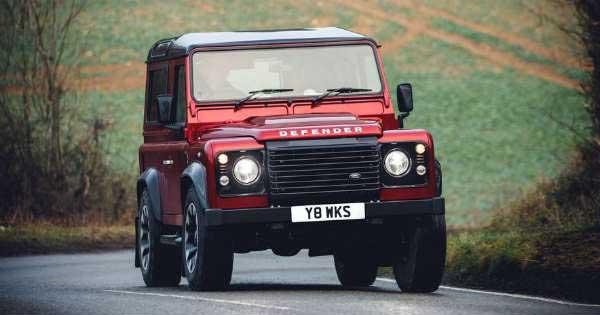 2018 Land Rover Defender V8 11