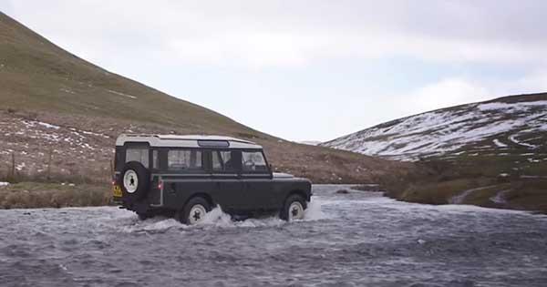 2018 Land Rover Defender V8 2