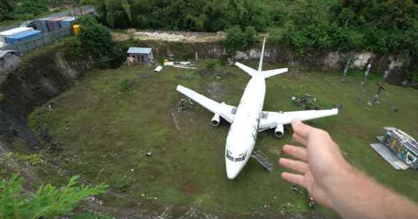 Abandoned 737 Plane 3