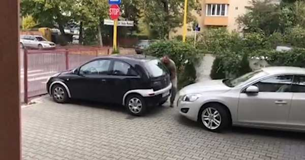 Blocked Car Bad Parking Solution Lift 1
