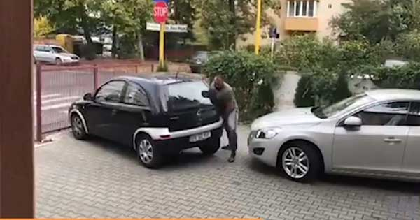 Blocked Car Bad Parking Solution Lift 2