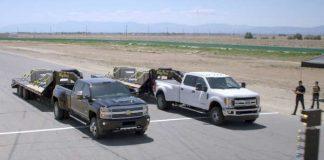Chevrolet Silverado HD vs Ford Super DutyDrag Race With A Trailler 1
