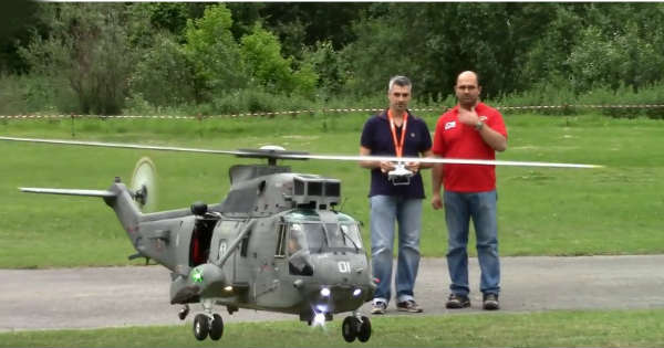 Gigantic RC Helicopter Marina 11