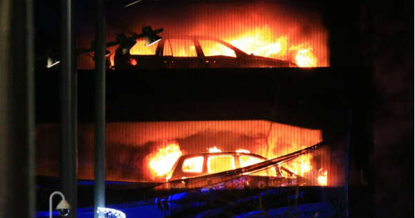 Huge Fire In Echo Arena In Liverpool Destroyed 1400 Vehicles 2
