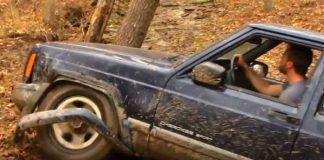 Jeep Cherokee vs Toyota Landcruiser - Off-Road Battle 1