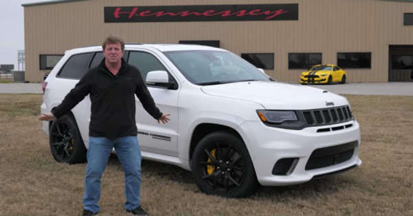 Jeep Trackhawk Goes on a Furious 0-175 MPH Test Run 1
