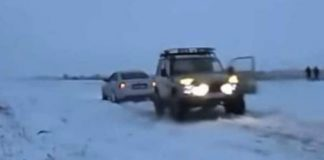 Lada Niva vs Audi S6 - Tug of War Battle 2