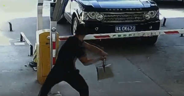 Never Seen This Extreme Road Rage This Guys Destroys Parking Barrier 2