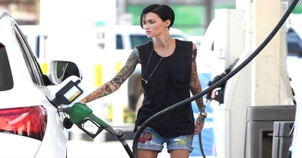 Oregon Citizens Have To Pump Gas On Their Own They Are Outraged 1