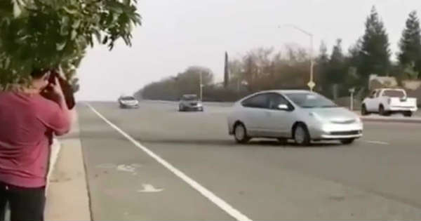 Prius Pulls Illegally In Front A BMW Who is at Fault 2
