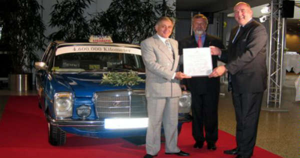 Record-Breaking Mercedes-Benz 200 D With 46 Million Kilometers 11