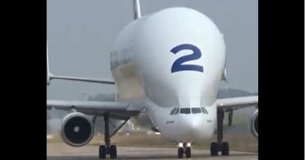 The Amazing Take-off Of The Airbus Beluga 1