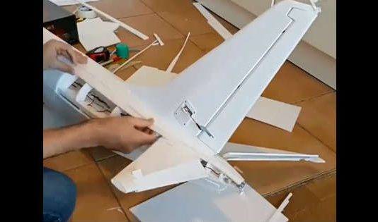The Process Of Building Qantas RC Boeing 737 Airplane 11