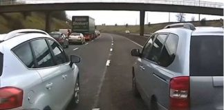 These 2 Driver Are Still Blocking 2 Lanes After Motorway Was Backed Up 1