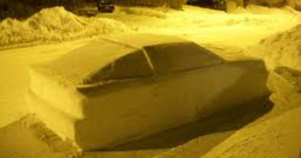This Guy Fooled The Police With A Fake Snow Car 2