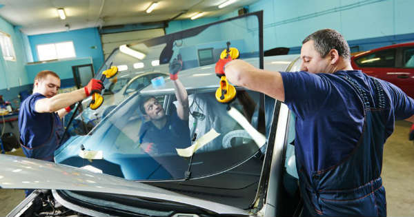 5 Key Tips for Choosing the Best Auto Glass Repair Shop 2