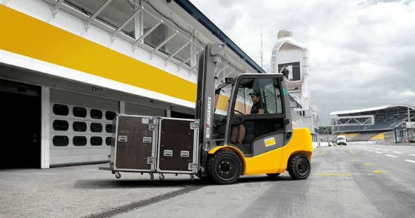 8 Tips To Consider When Hiring A Forklift For An Event Setup 2