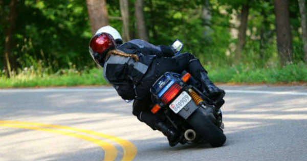Better Safe Than Sorry 5 Tips for Staying Safe on a Motorbike 2