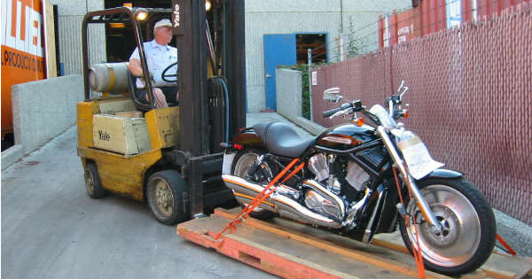 How to Transport a Motorcycle Without Stressing Yourself Out 2