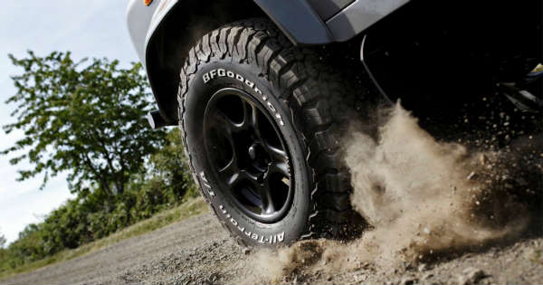 Which tire should you pick All-terrain tires vs all-season tires 2