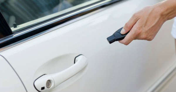 Lock Yourself Out Heres How to Unlock a Car Door 2