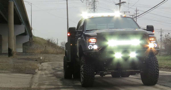 4 Ways You Can Creatively Incorporate LEDs Into Truck Lighting 1