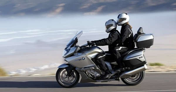 How to Ride a Motorcycle Safely The Complete Guide 1