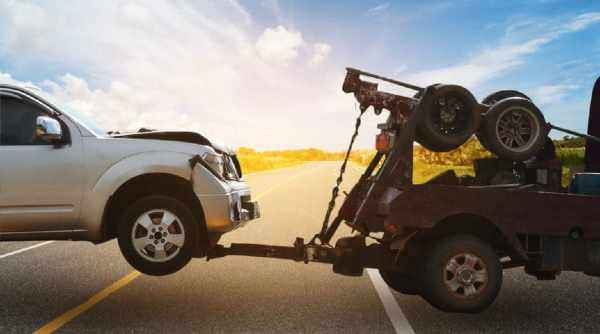 Why you should call a towing company if your car has broken down 1
